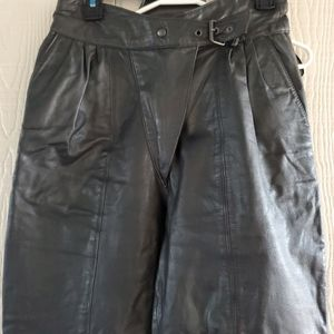 G-111 high waisted vintage 80's black leather pant